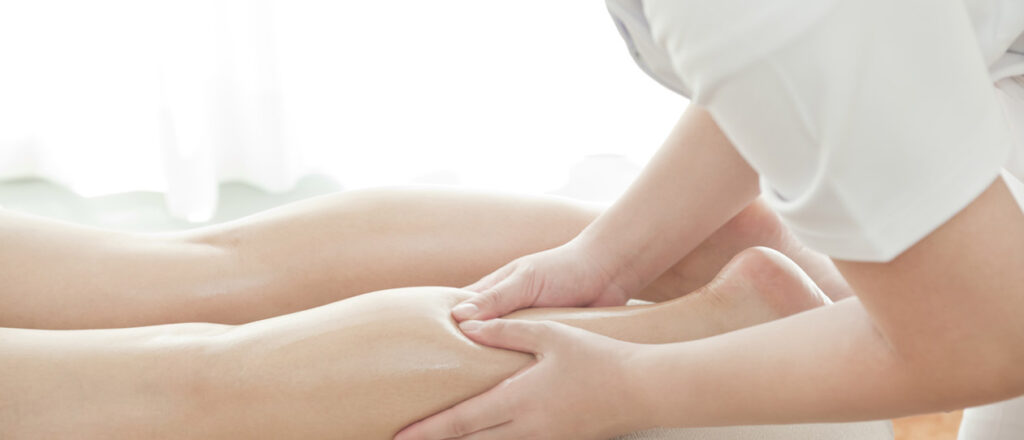 ماساژ در کاهش گرفتگی عضلات پا