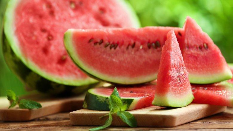 هندوانه در گرفتگی عضلات پا